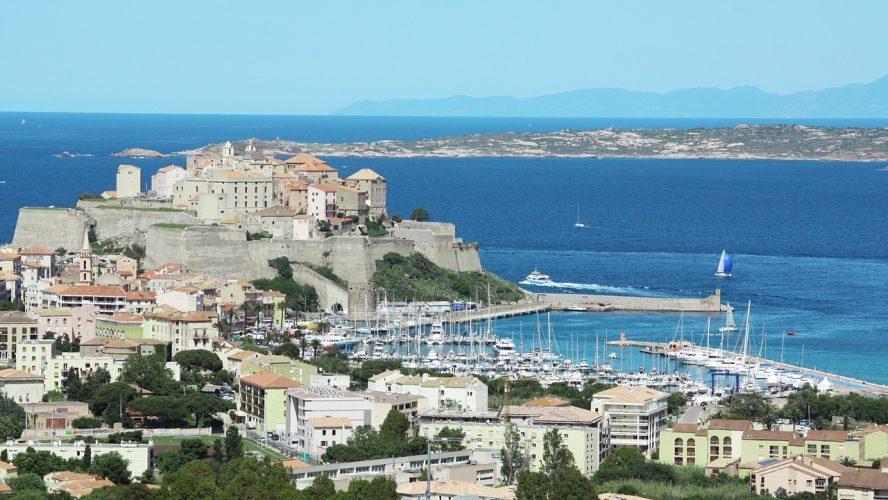 Les bonnes raisons de visiter Calvi en Corse